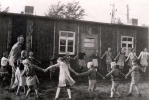 The makeshift school in a barrack until a new one can be constructed, 1950. Photo courtesy of Heimatvereins Reichswalde.