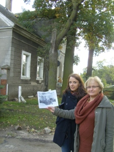 Magda and Grace found the house in the Suchy Dab celebration photo of 1945. Photo credit: Peggy Reiff Miller.