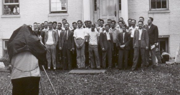 Students from Bethany Biblical Seminary and Brethren colleges gather at the Brethren Service Center in June 1946. Peggy Reiff Miller collection, courtesy of Ivan Meck and Guy Buch.